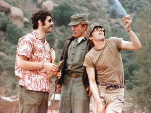 Elliot Gould and Donald Sutherland in MASH