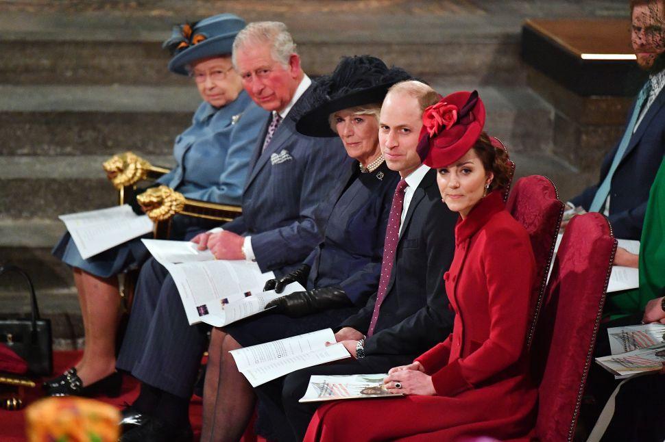 Kensington Palace and Windsor Castle Close to Public Amid Coronavirus