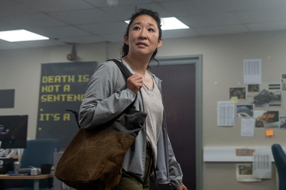 'Killing Eve' Showrunner Breaks Down the Most Shocking Moment from the S3 Premiere