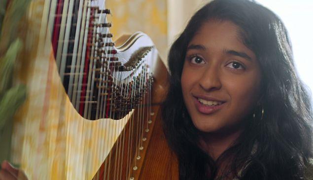 Maitreyi Ramakrishnan as Devi Vishwakumar in Netflix's Never Have I Ever