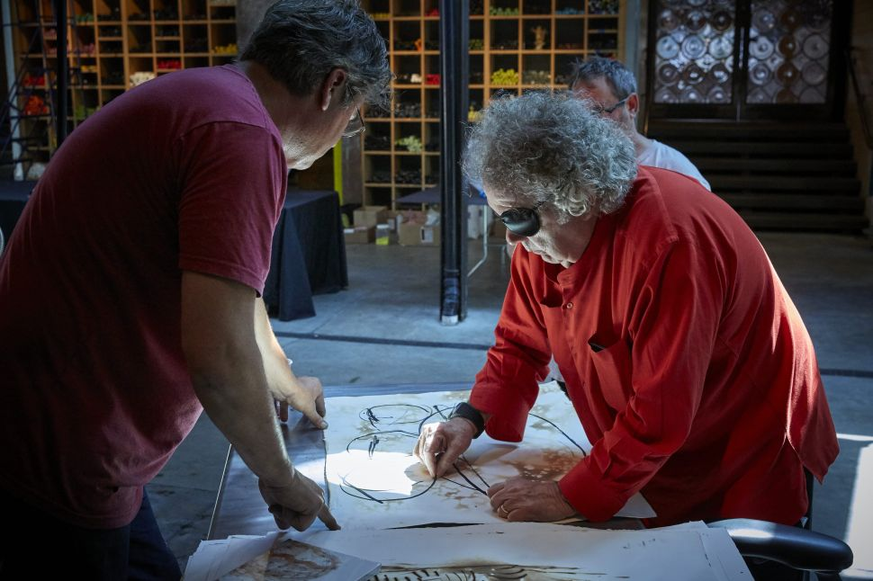 At 78, Glass Artist Dale Chihuly Is Adapting to New Challenges and as Busy as Ever