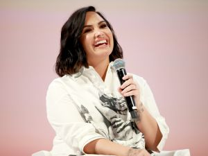 demi lovato sells los angeles home