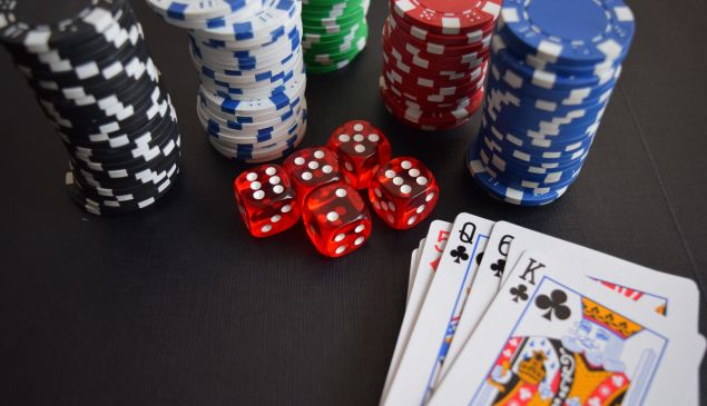 cards-casino-chance-chip-269630