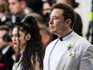 Elon Musk and Grimes transphobic twitter exchange