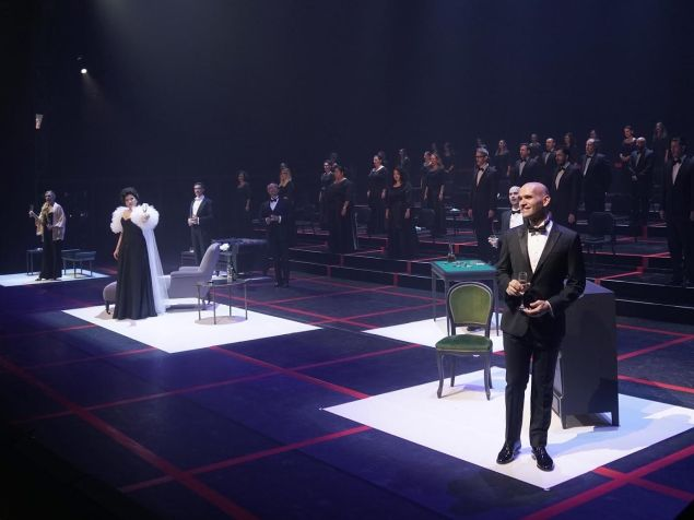 A socially distanced version of Verdi's 'La Traviata' from Madrid features American tenor Michael Fabiano.