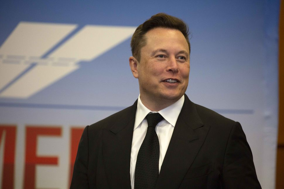 A Tesla Electric Plane? Elon Musk Hints It's Not Far Away