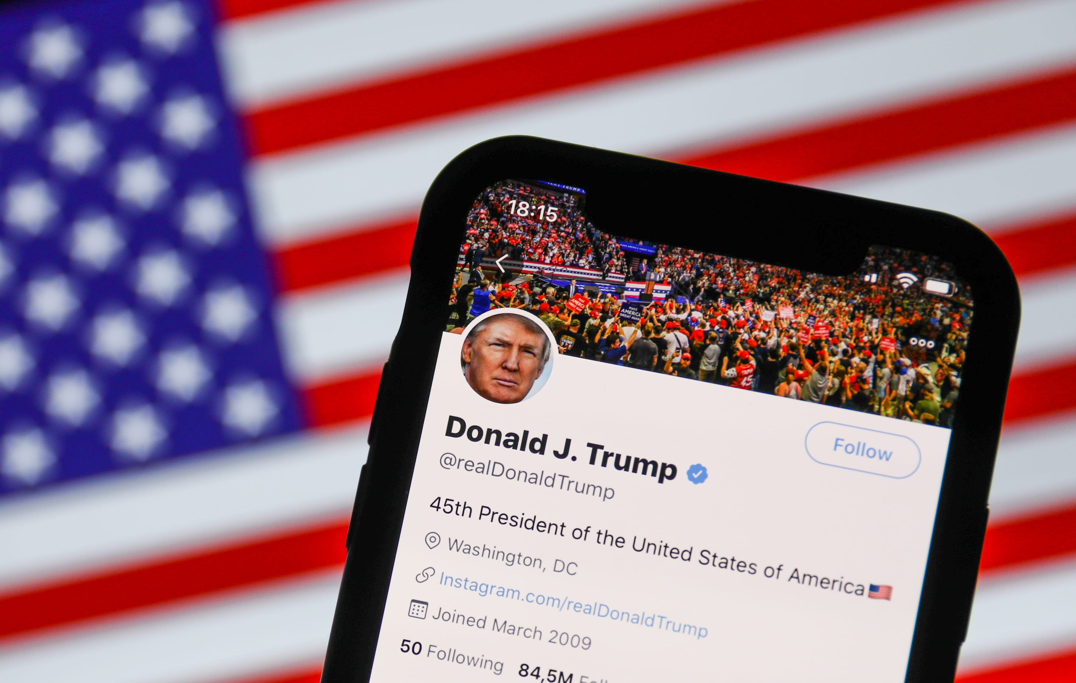 TikTok and WeChat Officially Banned by Trump Administration