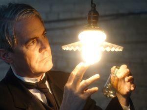 Kyle MacLachlan as Thomas Edison in Michael Almereyda's Tesla
