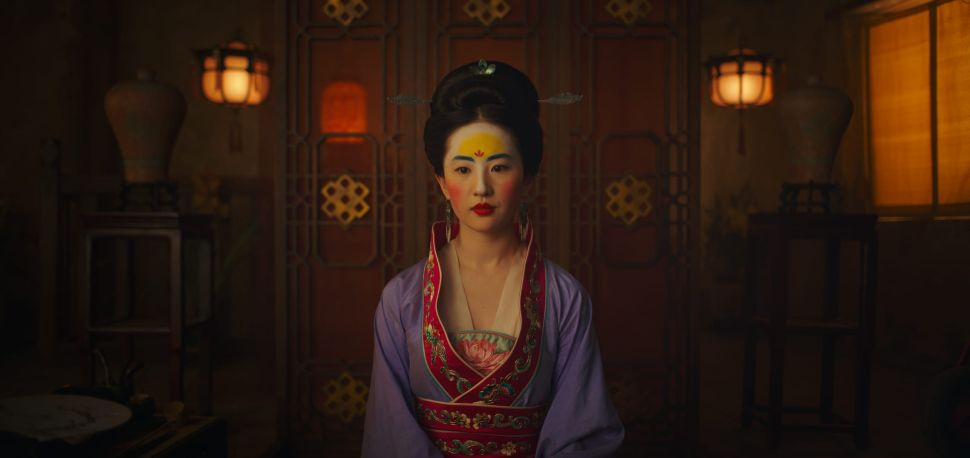 """Disney, Hemorrhaging Money in Q3, Places a """"One-Off"""" Bet on 'Mulan'"""