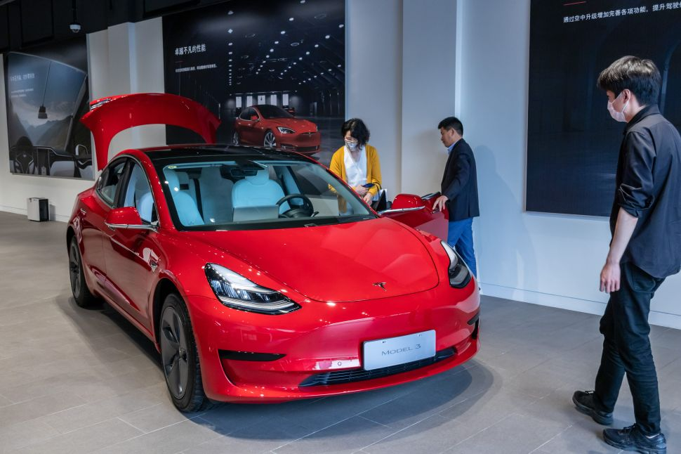 Tesla, Elon Pull a China Shocker to Cap a Crazy Week For Electric Vehicles