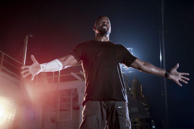 Jamie Foxx as Art in Project Power