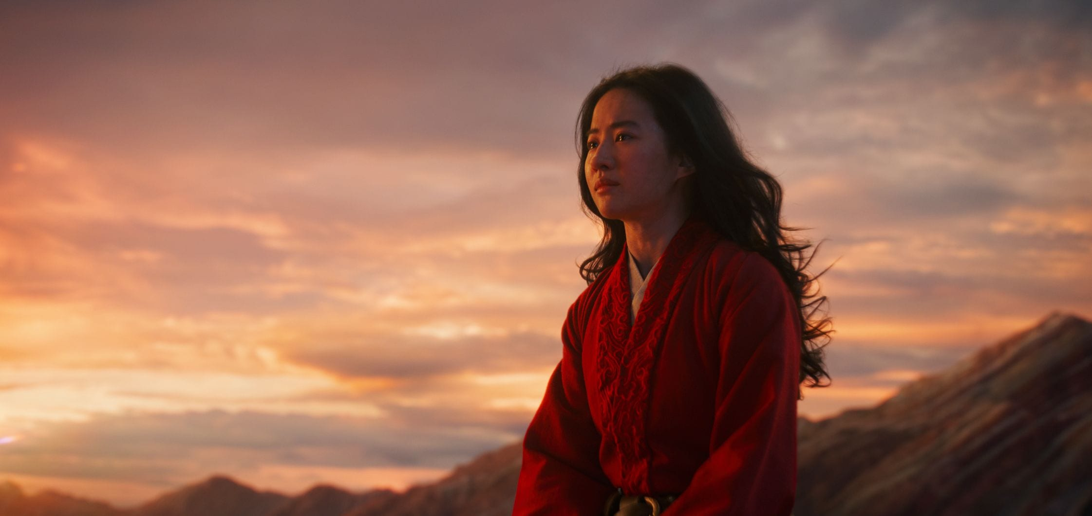 Mulan Film Review: Disney's High-Gloss Commercial for State Power | Observer