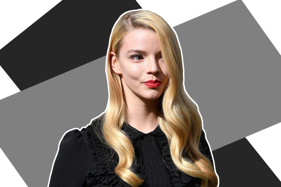 What Anya Taylor-Joy Learned About Chess and Alcoholism for 'The Queen's Gambit'