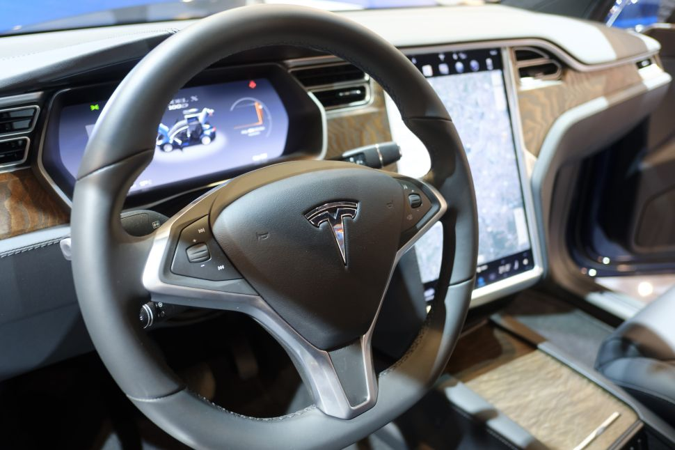 GM Driver-Assist System Is a 'Clear Winner' Over Tesla's Autopilot: Consumer Study