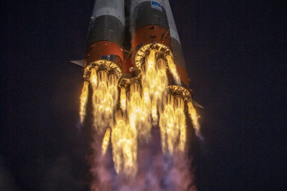 Space Cold War Looms as NASA Ends Russian Flights, Putin Skips Moon Treaty