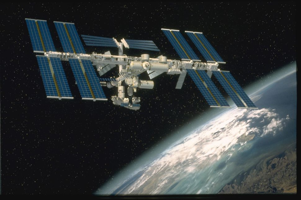 International Space Station Celebrates 20 Years of Human Residence: 10 Historic Facts