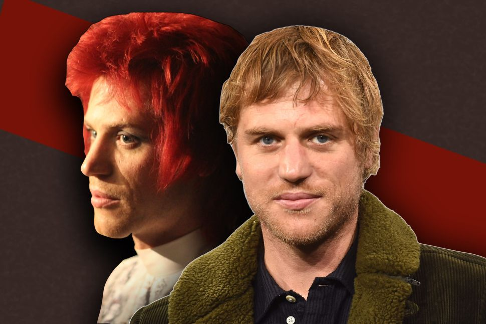 """Johnny Flynn on the """"Double-Edged Sword"""" of Playing David Bowie in 'Stardust'"""