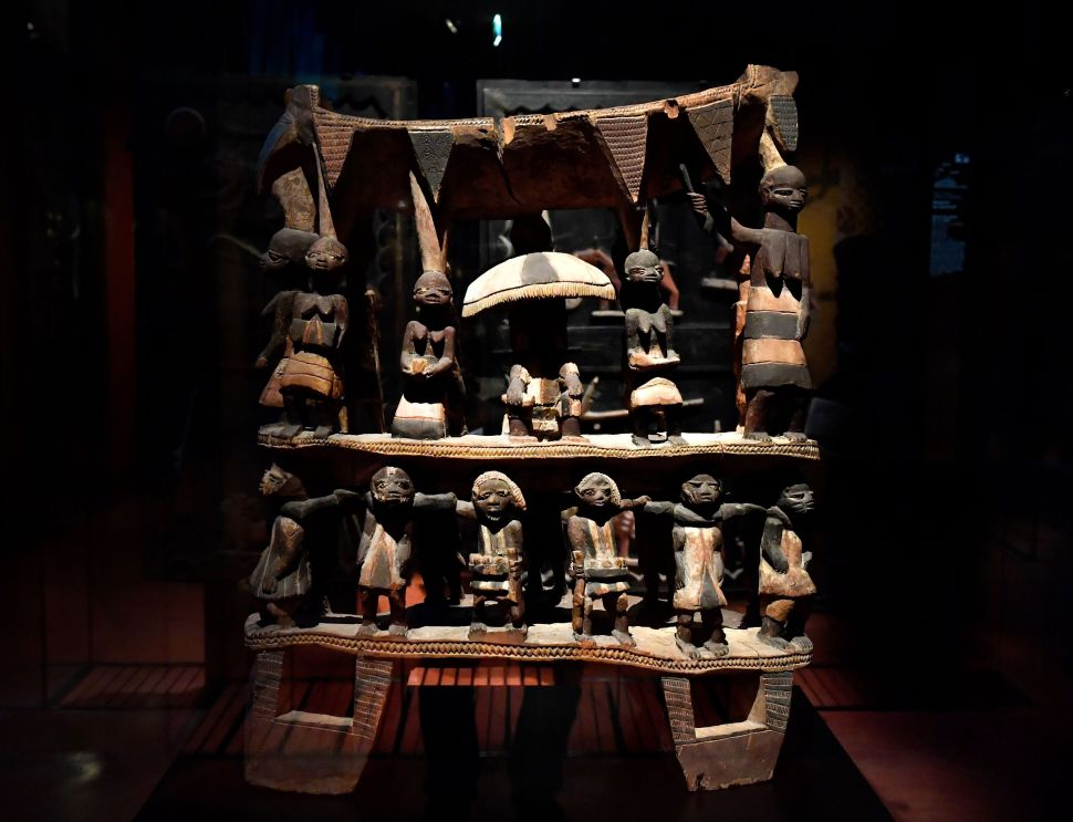 France Passes a Bill to Return Looted Art to Benin and Senegal Within a Year