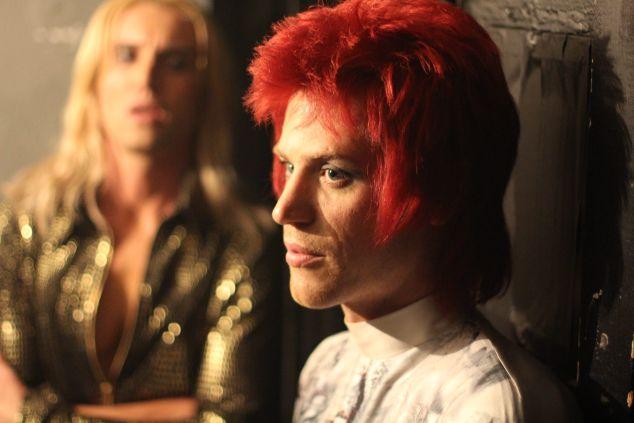 Johnny Flynn as David Bowie in Stardust
