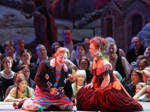 Roberto Alagna and Aleksandra Kurzak in 'Pagliacci' at the Vienna State Opera.