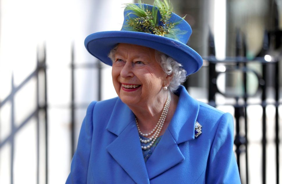 Queen Elizabeth Is Hiring a New Personal Assistant at Buckingham Palace