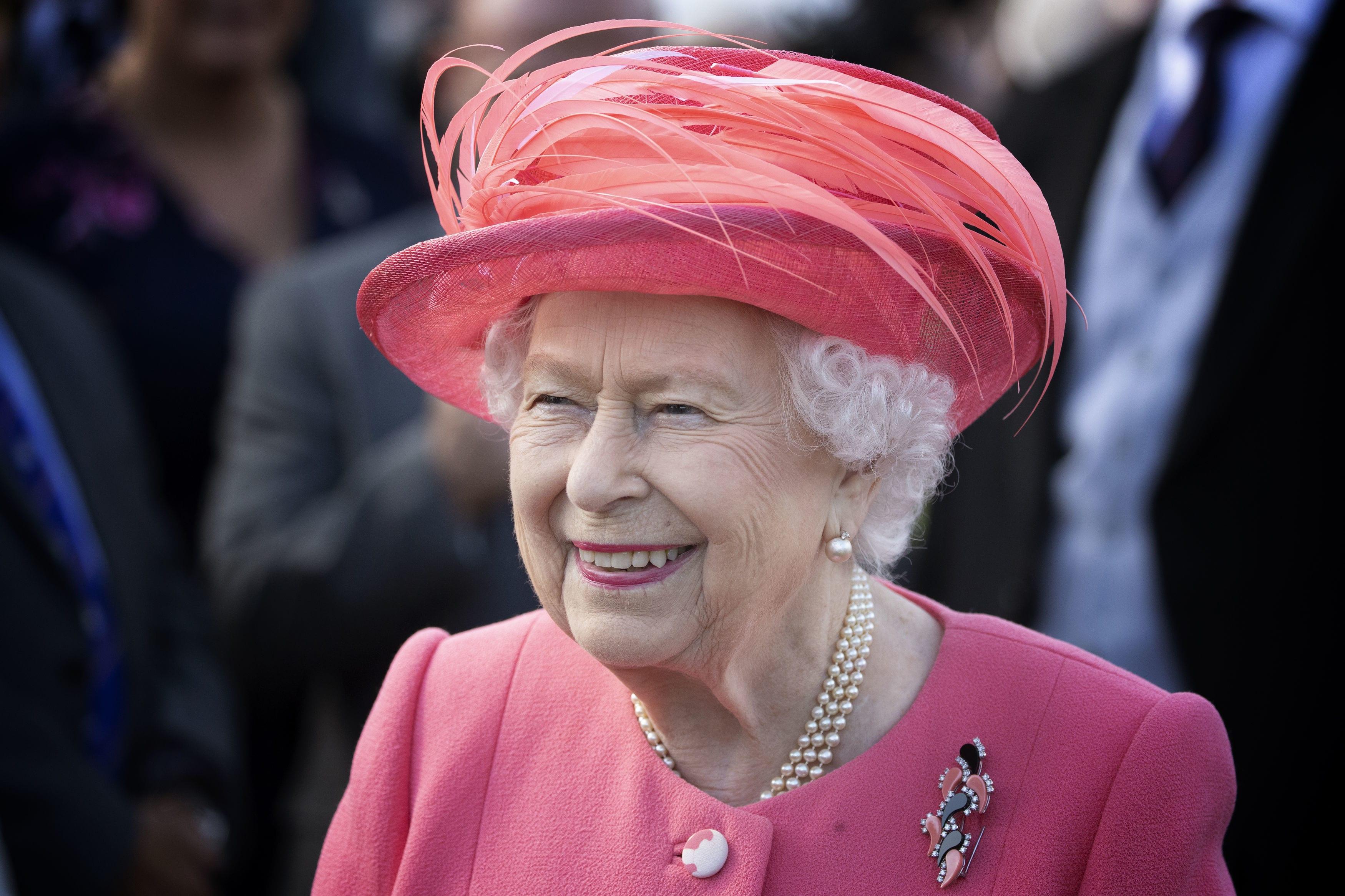 Queen Elizabeth Cancels All 2021 Royal Garden Parties Amid