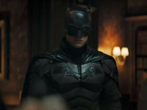 Robert Pattinson stars in The Batman