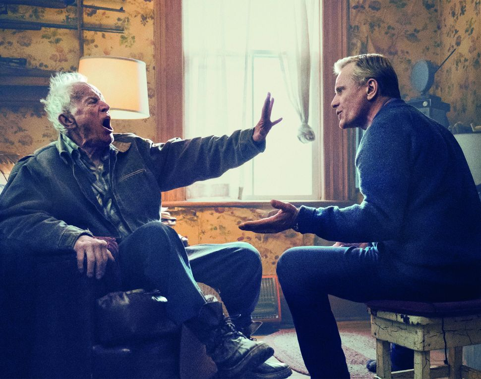 'Falling' Is an Honest, 4-Star Directing Debut for Viggo Mortensen