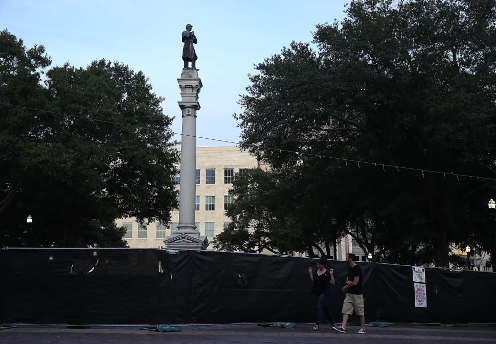 'Maliciously' Taking Down a Confederate Monument in Florida is a Second-Degree Felony