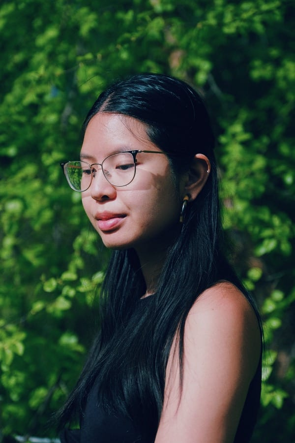 In Her book of Essays ' Pop Song', Larissa Pham Has a Heart That Wants