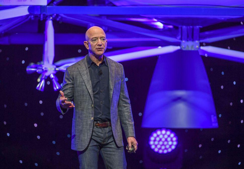 Jeff Bezos Escalates Fight With NASA, Blue Origin Loses Top Moon Lander Engineer to SpaceX