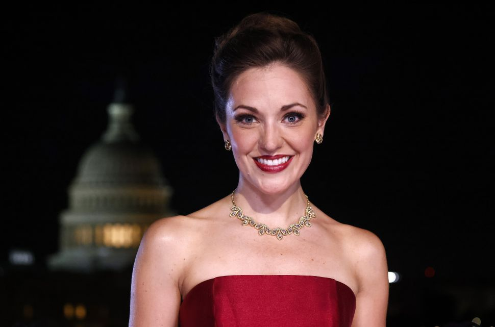 Broadway Star Laura Osnes Allegedly Removed from Show for Vaccine Refusal