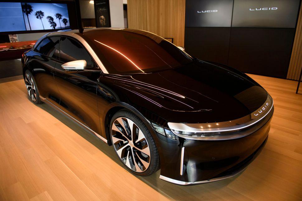 Tesla Rival Lucid Sets Delivery Date for an EV With Longer Range Than Model S