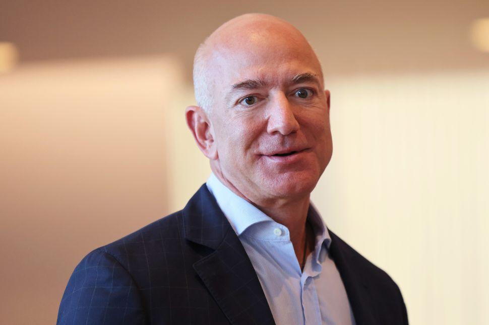 Jeff Bezos Responds to Elon Musk's Sarcastic Gibe at Amazon, Blue Origin