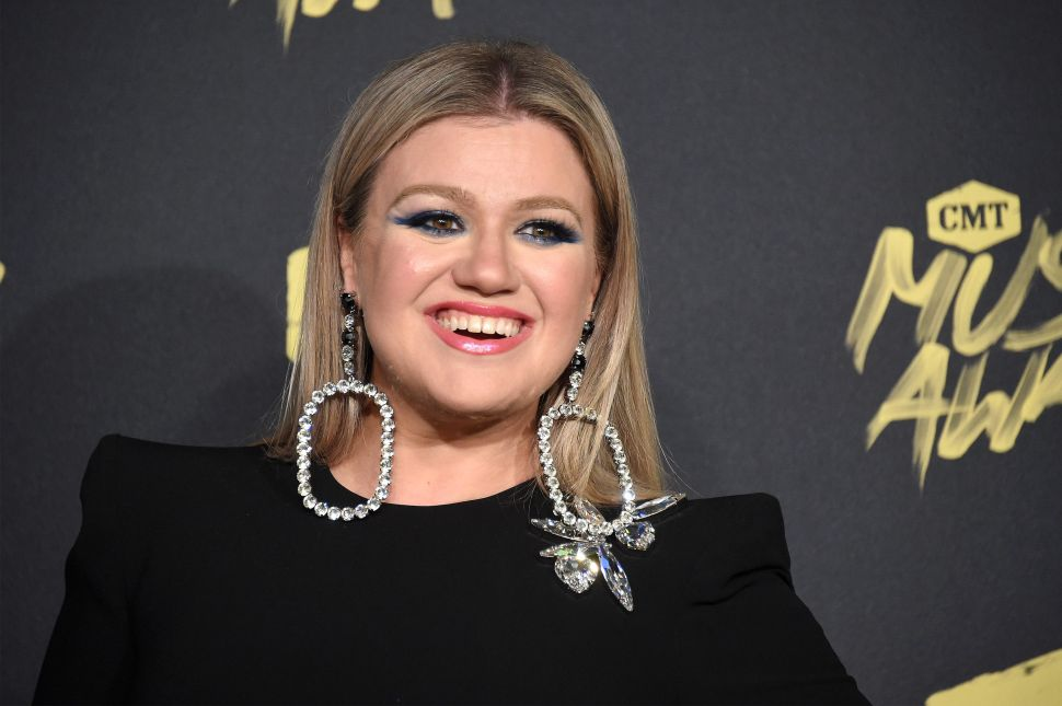 Kelly Clarkson Sold Her Custom Encino Farmhouse at a Loss